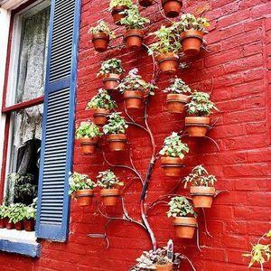 100 Vertical Garden Ideas - Lawn and Garden Unlimited #verticalgarden #verticalgardening #gardenideas